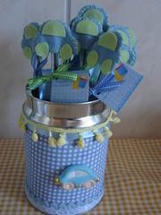 Para a maternidade (Sweet Scrap) Tags: carinho carro bebê neném feltro menino lata caneta matrnidade