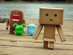 Walking from the lake (willycoolpics.) Tags: yeah action ox domo figures picnik uglydolls babo danbo danboard maybeishouldtrynotincludingdomoandtheugliesinmydanbo365shotsforawhile