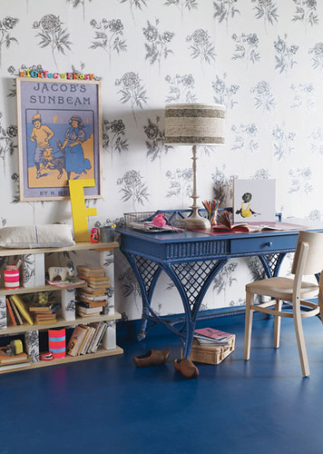the estate of things chooses kids desk
