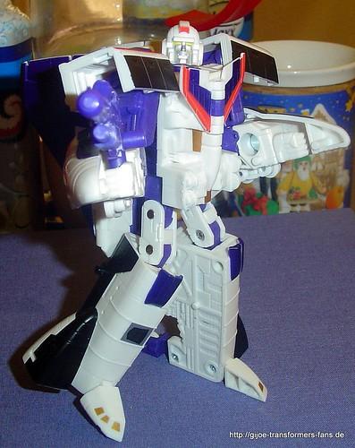 Astrotrain Neo-Classics Deluxe  Transformers 011