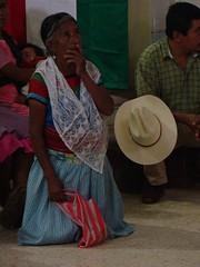 Indigenas_14 (Gionitz_PIC) Tags: cultura indigenas tradicion rostros trajestípicos culturamexicana trajesregionales fiestasregionales totonacos rostrosdemexico rostrodemexico