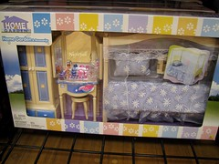Doll Bedroom (esmereldes) Tags: toy toys bedroom furniture mini minis dollfurniture img8787 16scale playscale dollbedroom playscaleminiatures