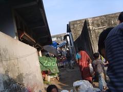 Bilimora Fish Market (_Z.K_) Tags: india geotagged town asia fishmarket 2009 picnik gujarat bilimora samsungdigimaxs800kenoxs800 mynonwikimapiastuff