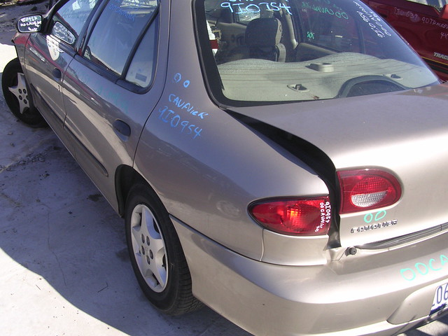 chevrolet 2000 cavalier 9i0954