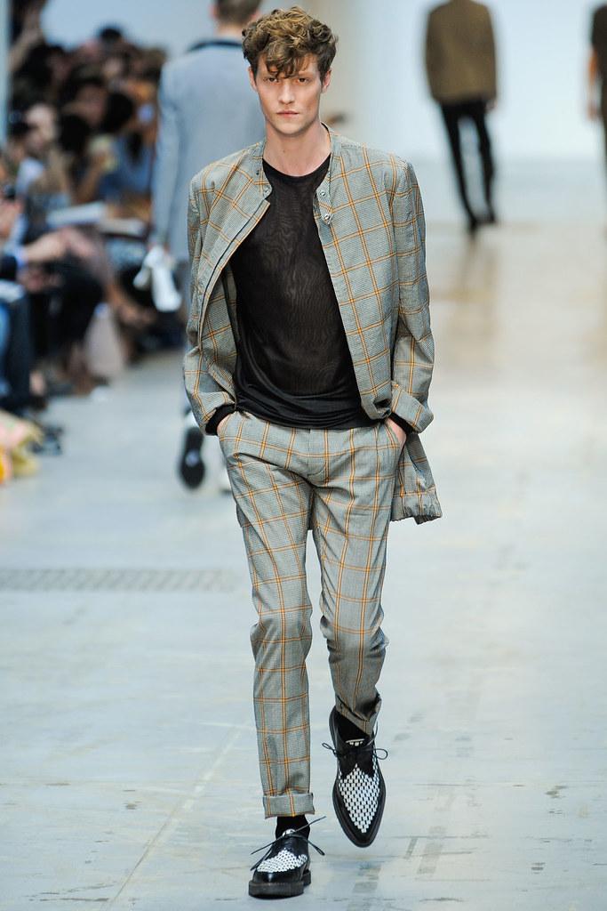 SS12 Milan Costume National Homme010_Matthew Hitt(VOGUEcom)