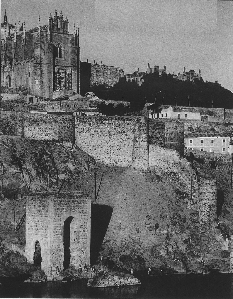 Baño de la Cava (Toledo) a principios del siglo XX. Foto Rodríguez