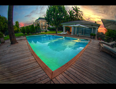 In My Place (WaysBcn) Tags: house pool swimming casa trabajo piscina amanecer cielo pileta mansion sombrilla palmera ways amaca tumbona setos aplusphoto waysbcn