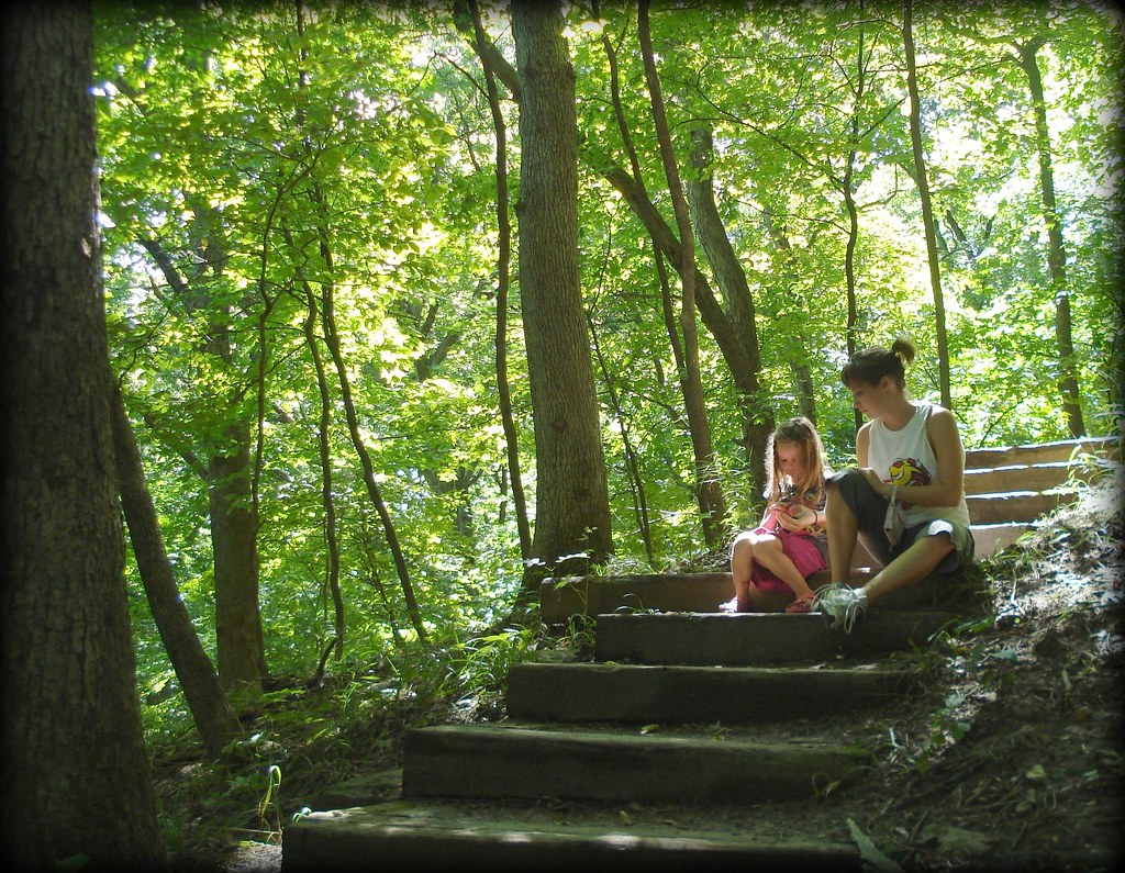 sisters at Ledges