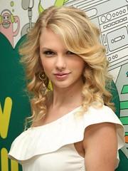 Taylor Swift (Mileybabe) Tags: disney popstars
