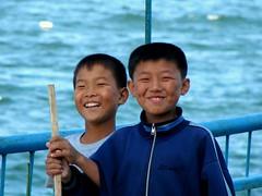 Fishing kids (hanming_huang) Tags: northkorea wonsan