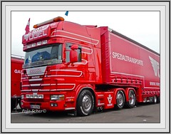 Scania truck, Lastwagen, Vogel trucking, 16. Internationales Trucker & Country Festival, Interlaken, Juni 2009 (Polo Scher) Tags: schweiz switzerland suisse interlaken scania lastwagen showtruck cabover truckshow kabine roadtransport sattelzug juni2009 swedenpower scaniaxxl scanialongline 16internationalestruckercountryfestival seimitruck swedentruck