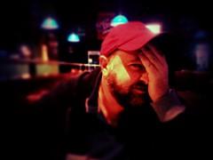Non guardarmi, sono bruttissima (ale2000) Tags: bear red portrait me smile face hat beard oso nokia hand moi io ale2000 mano rosso ritratto viso barba 3gs orso ourson iphone faccia tiltshift cappellino aledigangi iphone365