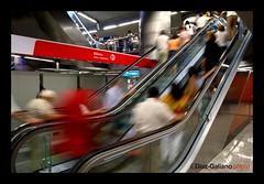 STRESSSSS (DIAZ-GALIANO) Tags: madrid espaa canon metro escalera estacion 30d stresss mywinners diazgaliano