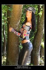 b35775f667b3f13d0913ed7b196f7990122321910447556923 (LegLov) Tags: shiny models glossy wetlook leggins calzas