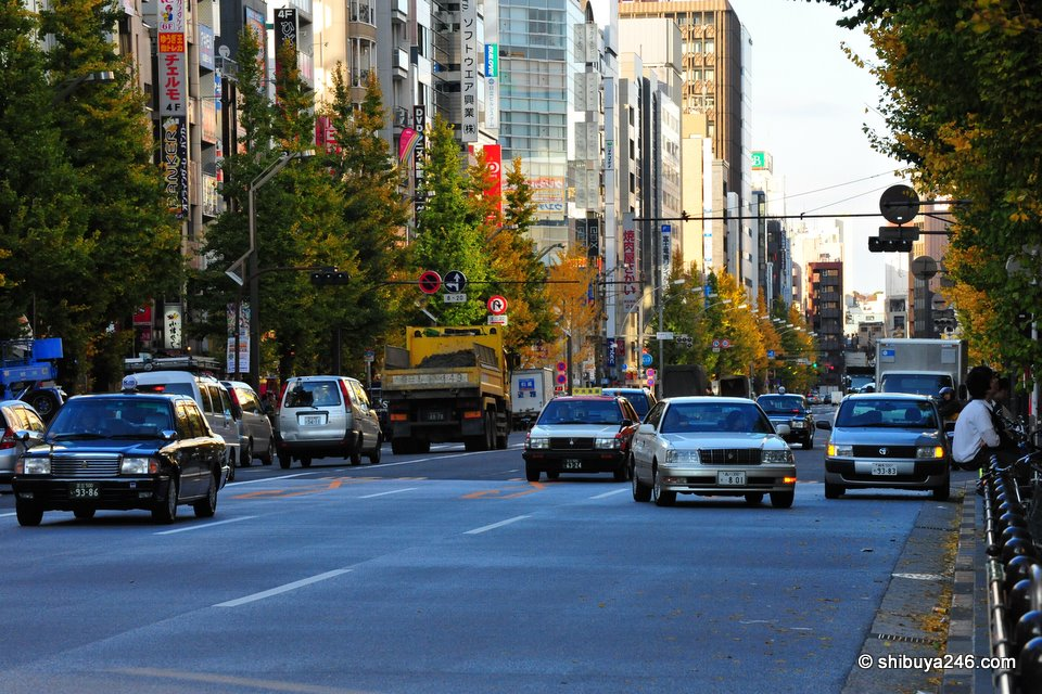 The main road running through Akihabara.