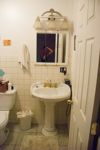 01BathroomBefore