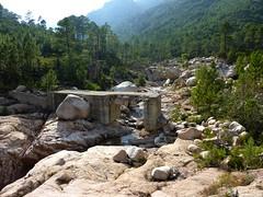 Le pont de Figa (IGN 300) détruit sur le ruisseau de Sainte-Lucie