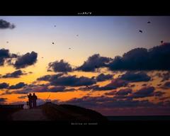 Wallking on sunset (MONCHO REY) Tags: sunset sea 2 seagulls praia beach clouds walking atardecer mar couple pentax walk playa paseo dos nubes lugo gaviotas maria foz andando andar solpor cantbrico llas lucense cantabric rapadoira amaria k20d monchorey monarq78 rapadora paseorapadoirallas