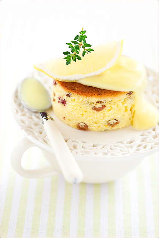 Lemon cake with Coconut Lemon Kurd