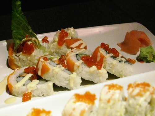 Salmon Lovers Roll @ Globefish