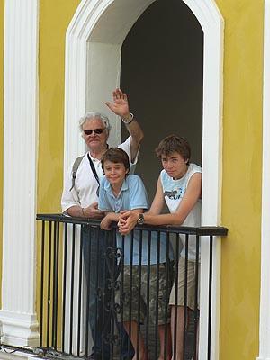 GPJ et les enfants à Campeche.jpg