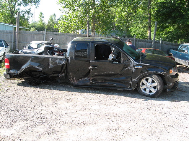 black ford station truck out accident mobil f150 20 smashed wreck rims 32 scraped 2007 totaled blew fx4 gratiot fx2 ruinded