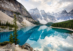 Moraine Lake (mahonyweb) Tags: lake canada beautiful landscape interestingness interesting explore alberta lakelouise lightroom banffnationalpark morainelake valleyofthetenpeaks canon1740l glaciallake top500 flickrexplore rockflour magicdonkey canonllens canoneos1dsmarkiii canon1dsmarkiii