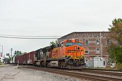 BNSF 7641 & NS 2627