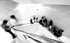La noche en blanco.... (Luis_Carrasco) Tags: madrid longexposure white black blancoynegro blackwhite arquitectura nikon edificio movimiento alta escaleras d60 caixaforum largaexposicin clave clavealta sigma1020 luiscarrasco