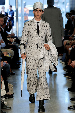 Ryan Taylor385_SS10_NY_Thom Browne(Men Style)
