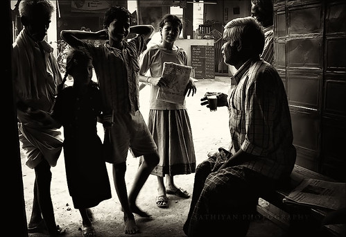Life in tea stall