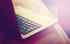 (Hana Albader) Tags: pink apple canon pinky haano macbook  d450  hanoo