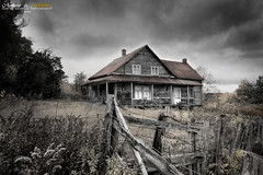 The Abandoned House (Imapix) Tags: old house canada art classic nature field canon photography photo ancient foto photographie quebec haunted qubec maison champ mistery classique imapix abandonne gaetanbourque mistre 100commentgroup imapixphotography gatanbourquephotography