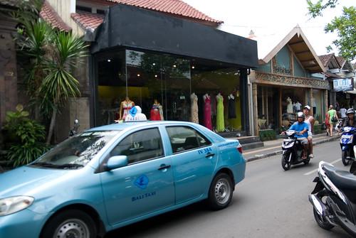 秋天,我們的峇里島-Kuta 街上閒晃