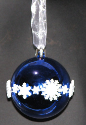 #8 - Button Ornament 015