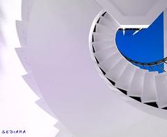curl (sediama (break)) Tags: blue white stairs germany pentax hannover treppe staircase treppenhaus k20d sediama ottochristiantaaks igp6797 ©bysediamaallrightsreserved