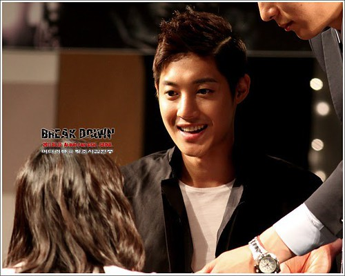 "252850_101Kim Hyun Joong '""Break Down"" Album Fan Signing Event [11.06.11]50202912592602_535052601_7151513_4061308_n"