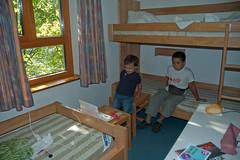 La nostra camera (cnadia) Tags: persone aachen davide filippo germania luoghi ostello aquisgrana 20090803