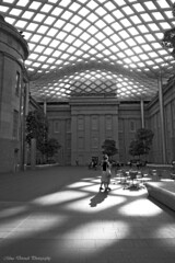 Kogod Courtyard (~Mina~) Tags: travel shadow blackandwhite bw usa art museum architecture canon walking washingtondc dc washington shadows courtyard architect foster nationalportraitgallery fosterpartners kogod canonef1740mmf4l ef1740mmf4lusm smithsonianamericanartmuseum canonrebelxti kogodcourtyard