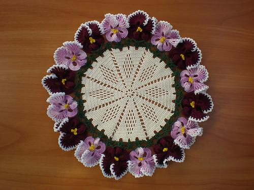 Renkli Çiçek Motifli Dantel Örnekleri .