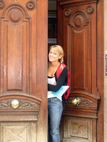 Jenna-Paris open door