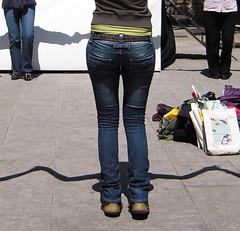 Sardana_3 (Bellwizard) Tags: barcelona shadow ball dance candid ombra sombra baile sardana santjordi
