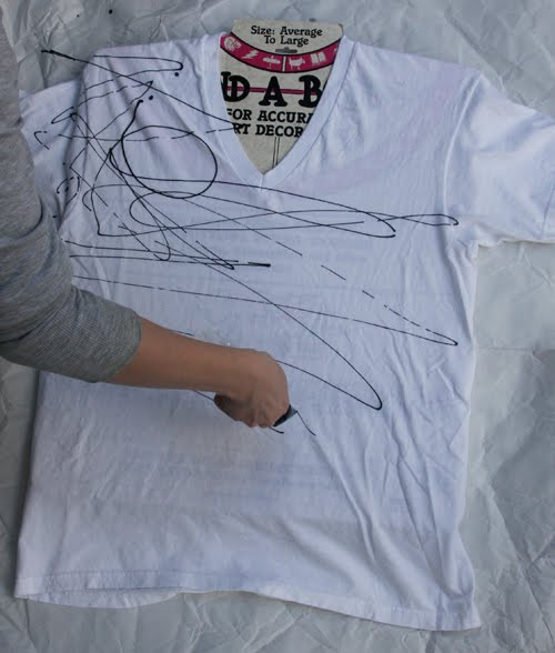 Chic Steals scribble tee fabric printing DIY tutorial 2
