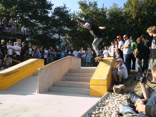 Globe @ Crolles / 2009-10-04 / Ryan Decenzo / Backside 5-0 grind