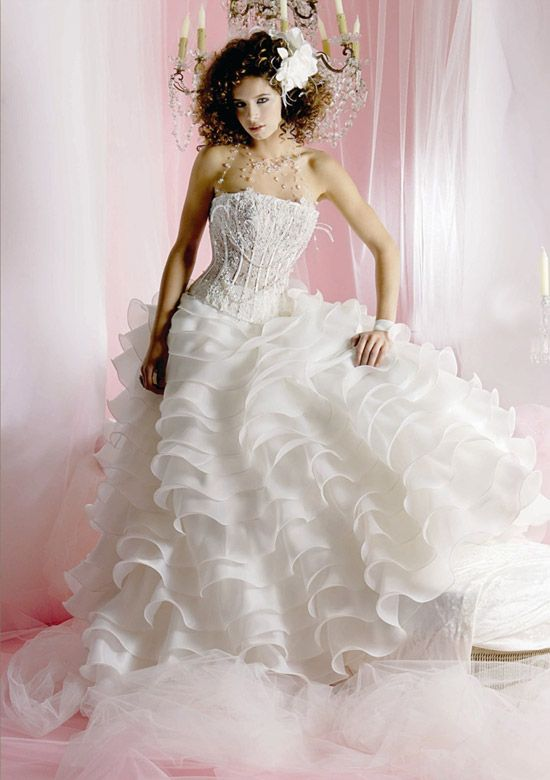 Novias Casajuana Wedding Dress Fashion 2007 - beautiful girls