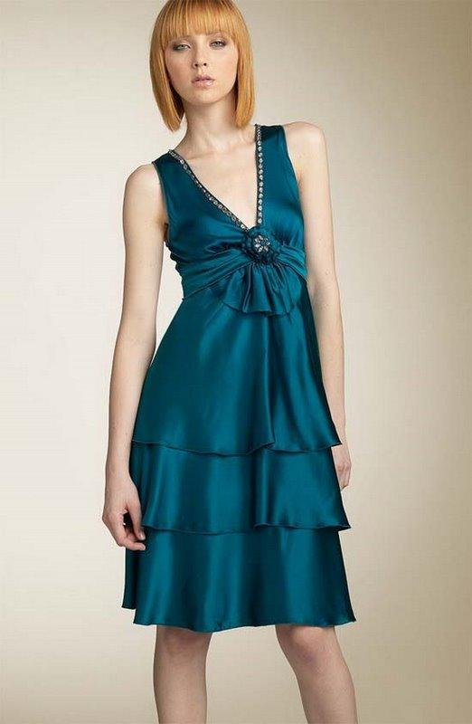 Beauty model & Elegant dress 2007-11-01, tag: dresses fashion model