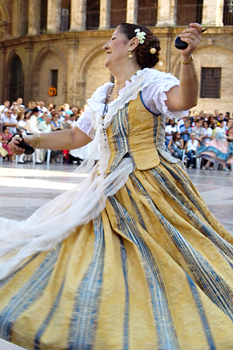 traditional-dance-valencia