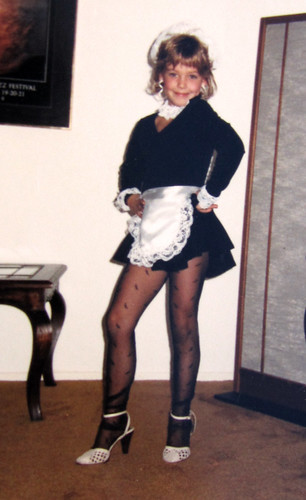 french-maid-80s-halloween