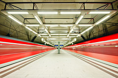 red dynamics (wecand) Tags: city art topf25 station architecture speed train underground subway frankfurt main sigma zug trains db ubahn deutschebahn sbahn 1020mm highspeed zge offenbach geschwindigkeit symmetrie kaiserlei flickrduel cmwd cmwdred wecand gettyimagesgermanyq1