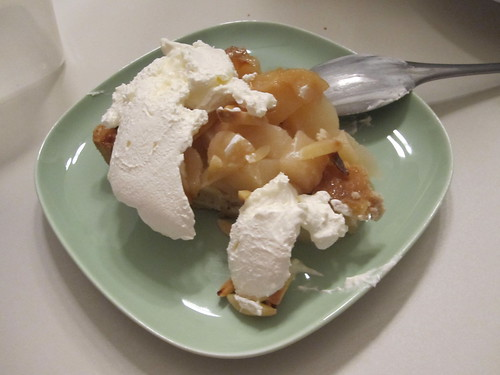 Pear pie at home